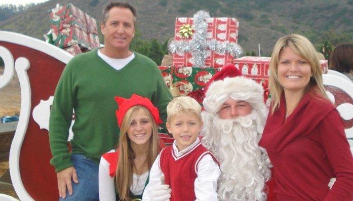 family photos with Santa available at Hagle Christmas Tree Farm